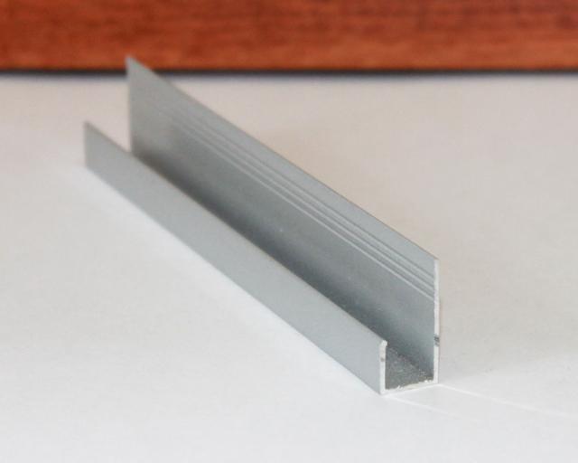 Профиль стартовый L (эль) под панель 8 мм